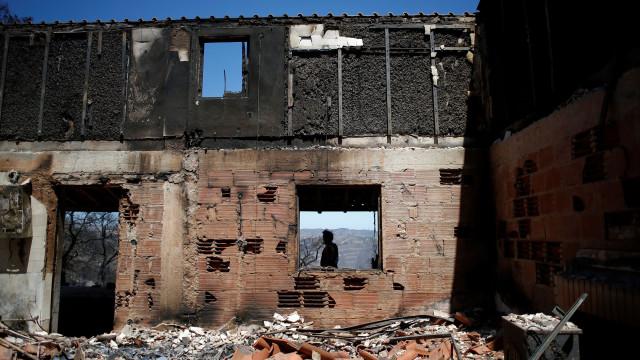 "Autarca de Monchique confirma ""dezenas"" de casas ardidas"