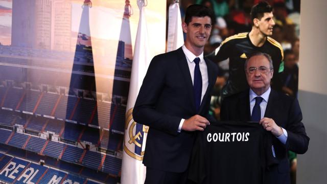 "Real Madrid apresenta Courtois: ""Hoje, cumpro um sonho"""