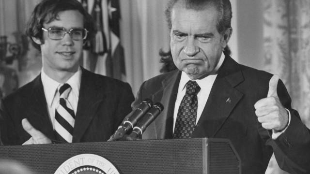 Estão a lembrar a Trump que Nixon demitiu-se há 44 anos