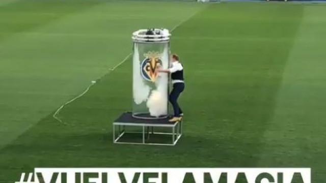 Cazorla apresentado no Villarreal com recurso a truque de magia