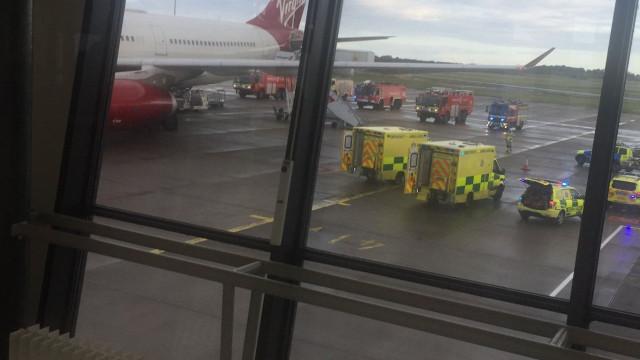 """Avião com destino a Londres desviado devido a """"fumo no aparelho"""""""