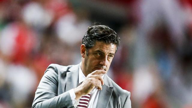 [0-0] Defesa extraordinária de Leo Jardim evita o golo do Benfica