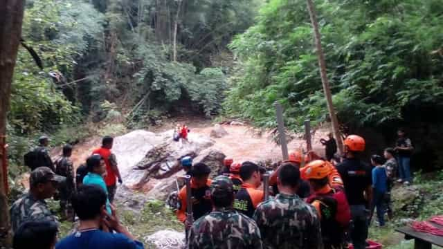 Turistas portuguesas resgatadas de cascata na Tailândia