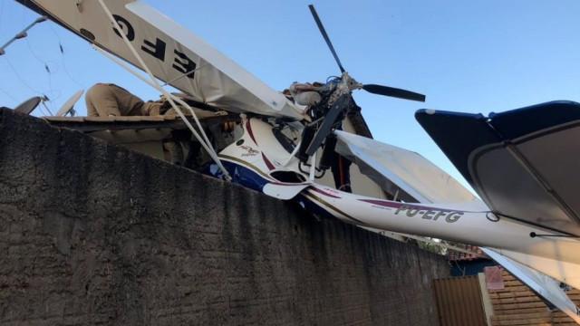 Avião despenha-se sobre casa no Brasil. Bebé morreu e há ainda 2 feridos