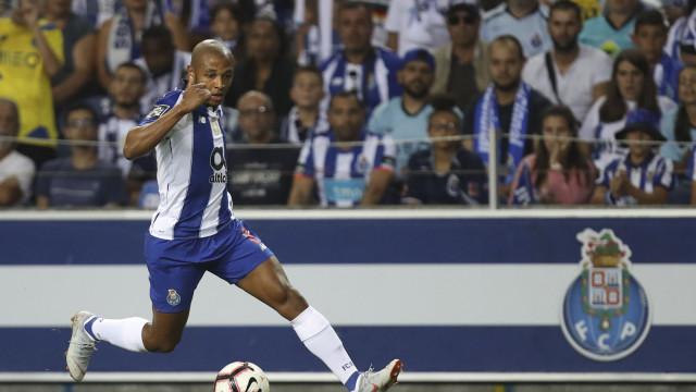 Benfica pede castigos para Maxi Pereira e Brahimi