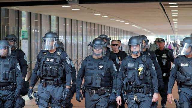 Washington espera neonazis um ano após incidentes de Charlottesville