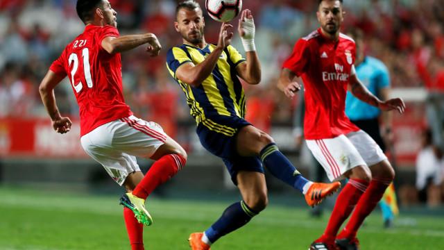 Benfica em Istambul para tentar eliminar Fenerbahçe e seguir em frente