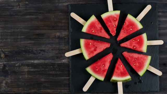 Comer para se hidratar, porque não? Eis os 10 melhores alimentos