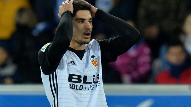 PSG aceita emprestar Guedes ao Valencia, mas atenção à cláusula de compra