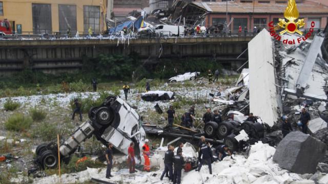 Génova: Queda de ponte