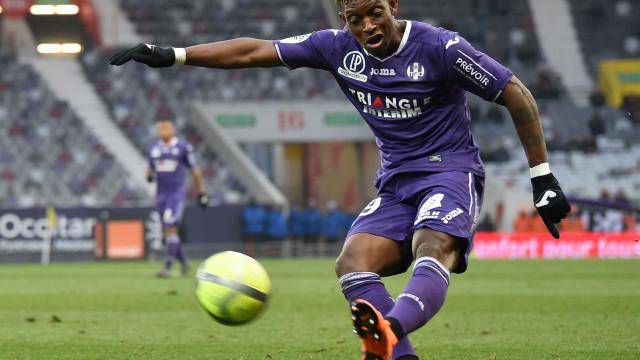 Depois de Zakarya, FC Porto aponta a lateral suíço