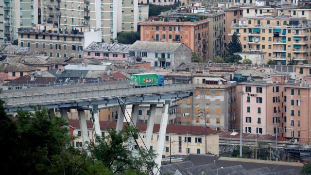 """Génova: """"Vi a ponte cair pelo espelho retrovisor, estou vivo por milagre"""""""