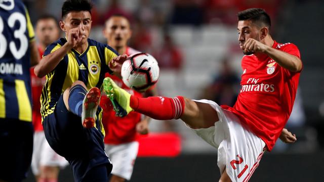 [0-0] Benfica entrou mais pressionantes, mas turcos já controlam o jogo