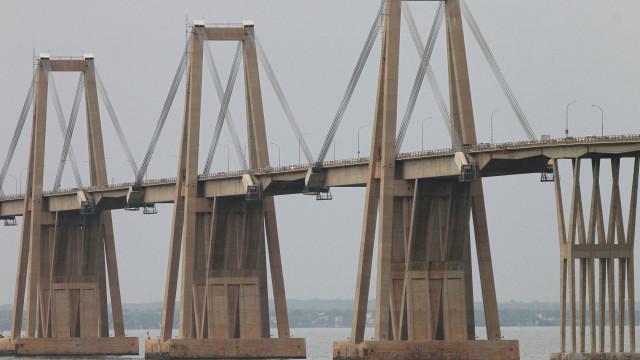Ponte venezuelana do engenheiro Morandi também foi palco de um desastre