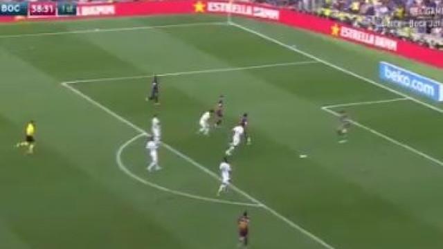 Messi pica a bola, trai o guarda-redes e está feito o segundo