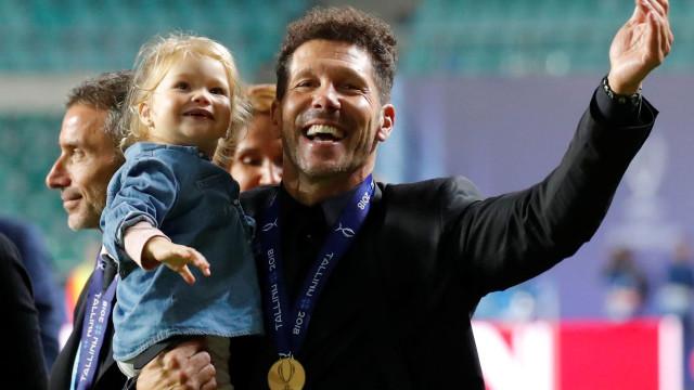 Uma Supertaça histórica: Simeone sorriu com 'página negra' de Lopetegui