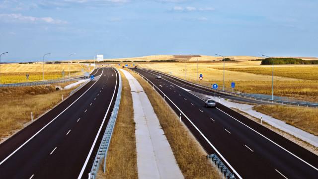 Casal morre ao colidir com camião português em Salamanca