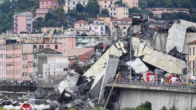 Há entre 10 a 20 pessoas desaparecidas nos escombros da ponte de Génova