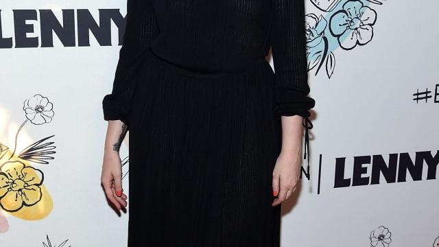 Nove meses após fazer histerectomia, Lena Dunham partilha fotos nuas