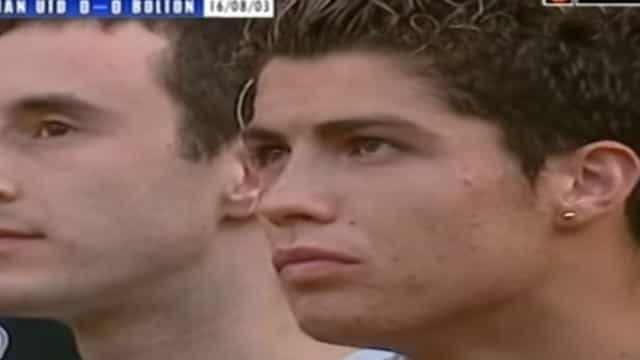 Há 15 anos, um certo madeirense estreava-se em Old Trafford e fazia isto