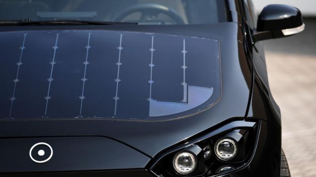 Carro capaz de carregar ao Sol ainda não foi lançado mas já é um sucesso