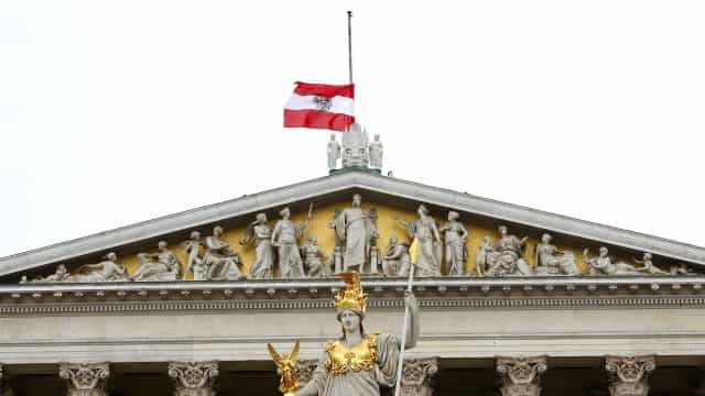 Áustria recusou pedido de asilo de refugiado por não agir como um gay