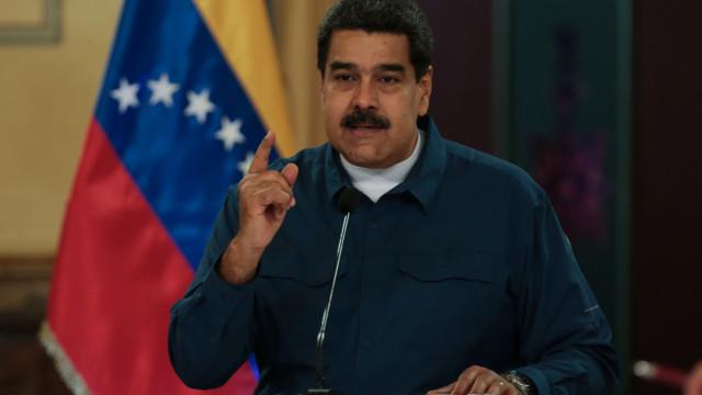 """Forças Armadas declaram """"apoio e lealdade"""" a Nicolás Maduro"""