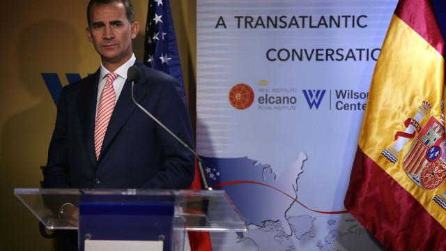 Filipe VI inicia cerimónia pelas vítimas do atentado de Barcelona
