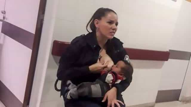 Polícia argentina que alimentou um bebé em serviço foi promovida