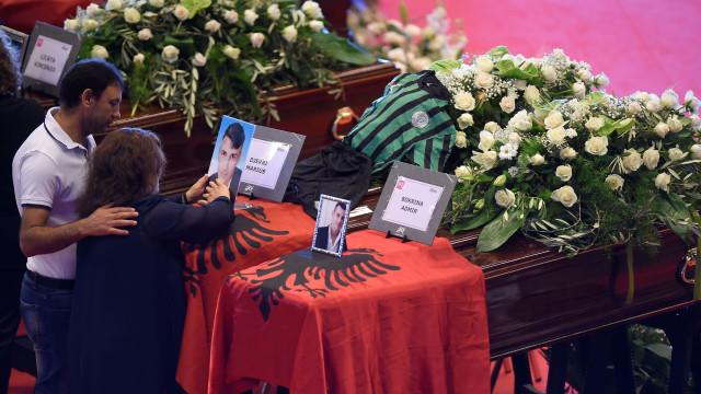 Imagens da cerimónia fúnebre das vítimas da queda da ponte de Génova