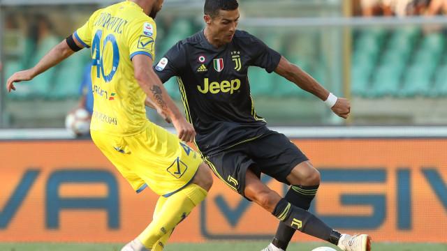 Estreia de Ronaldo 'salva' por Bernardeschi
