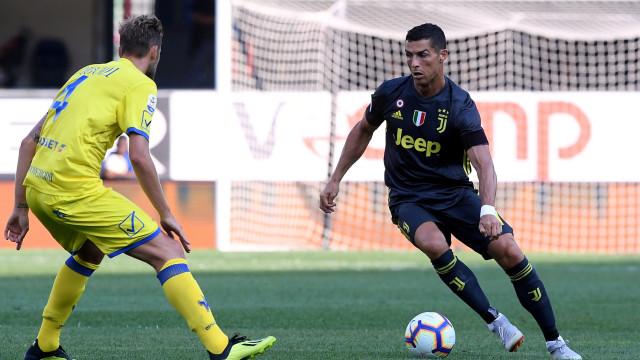 """Italianos analisam estreia de CR7 à lupa: """"A Serie A não é a La Liga"""""""