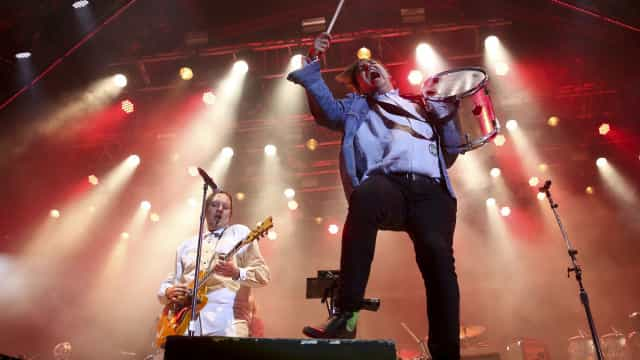 """Arcade Fire deram """"tudo agora"""" no Paredes de Coura 2018 e não desiludiram"""