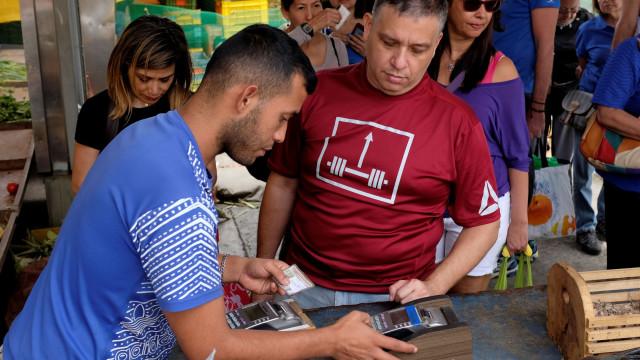 Reconversão económica causa apreensão entre os comerciantes venezuelanos