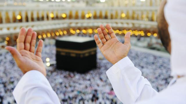 Encerramento de fronteira impede cidadãos do Qatar de irem a Meca