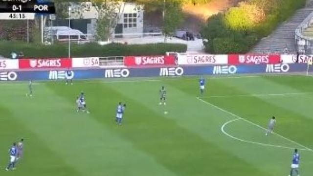 Erro de palmatória entrega segundo do FC Porto a Otávio