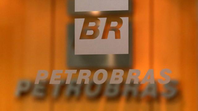 Incêndio suspende produção da maior refinaria da Petrobras no Brasil