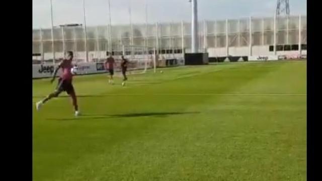 Juventus delira com receção de calcanhar de CR7... perdão, de Cancelo