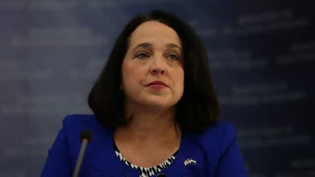 EUA analisam decisão preocupante de El Salvador em se aliar à China