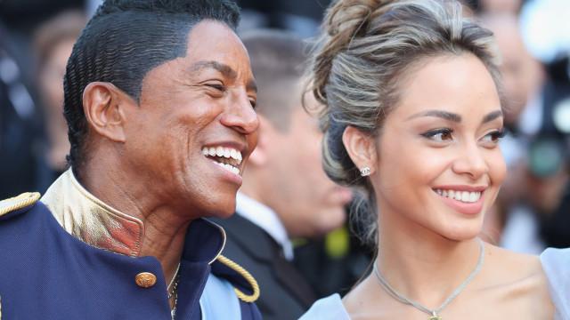 Irmão de Michael Jackson vai casar com modelo 40 anos mais nova