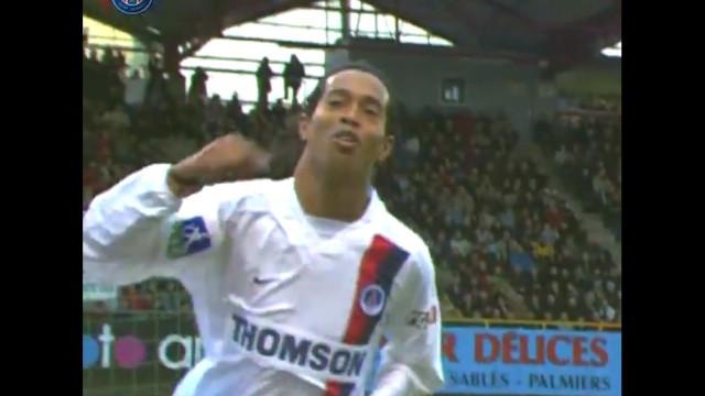 PSG partilha golo idêntico de Ronaldinho e de Mbappé