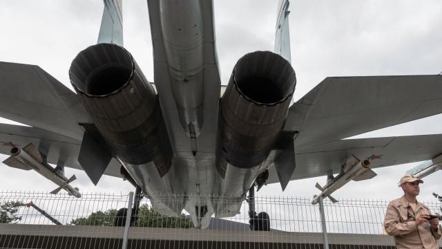Sérvia recebe dois aviões de combate MiG-29 do aliado russo