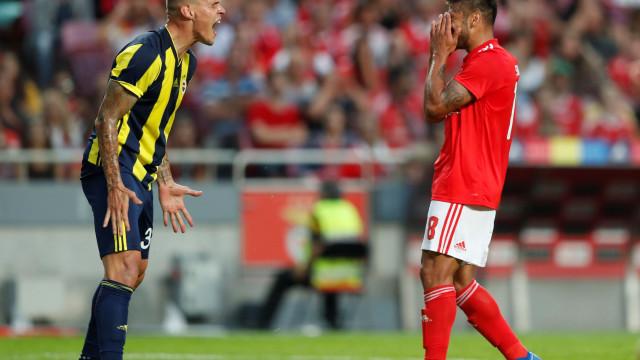 Problemas físicos na origem da ausência de Salvio diante do PAOK