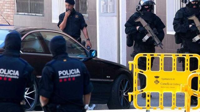 Quatro tiros em 15 segundos. A polícia que matou argelino descreve ataque