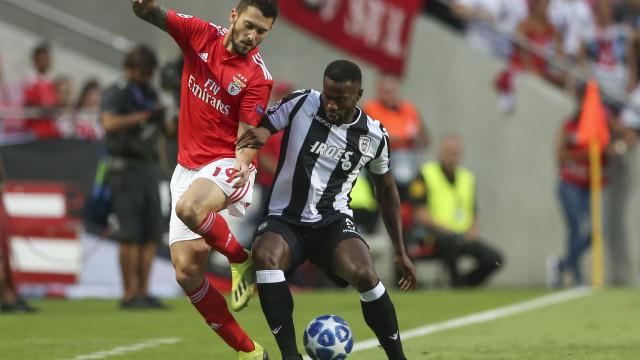 [0-0] Benfica-PAOK: Gedson marca mas golo é anulado