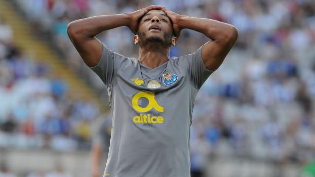 Brahimi gera preocupação na seleção da Argélia