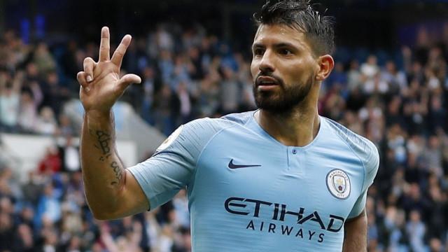 Sergio Aguero renova contrato com Manchester City