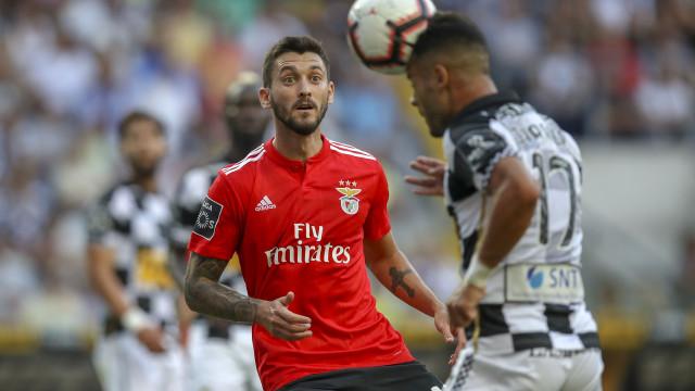 Presidente do Frosinone admite negociações com o Benfica