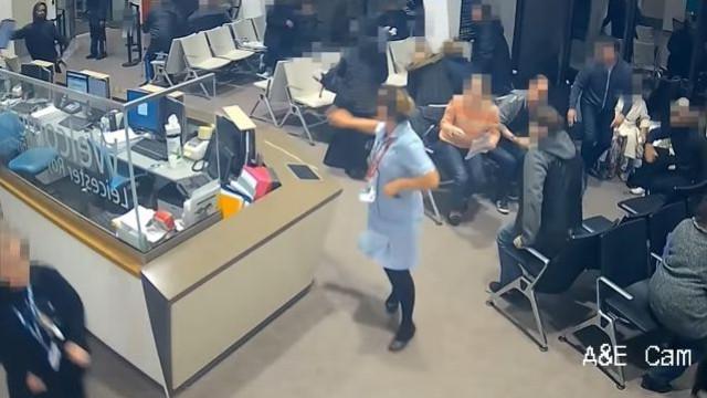 Pânico em sala de espera de hospital após esfaqueamento