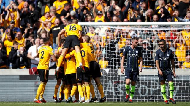 Wolves trava Manchester City graças às mãos de Rui Patrício... e Boly
